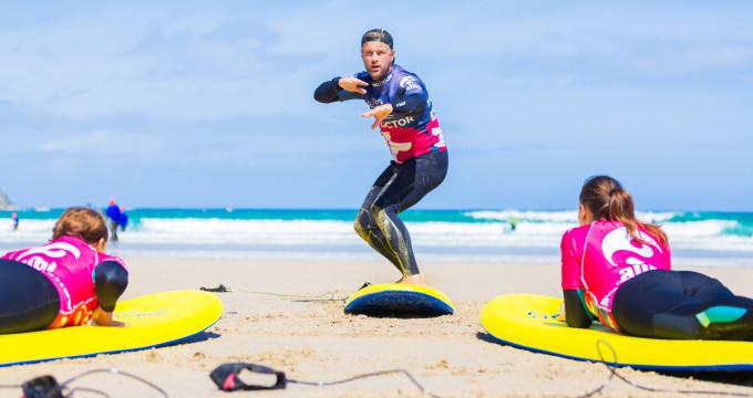 ttrg-elle-surf-lesson-9872